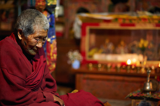 Tibetan meditation, Tibetan Buddhist nun meditates