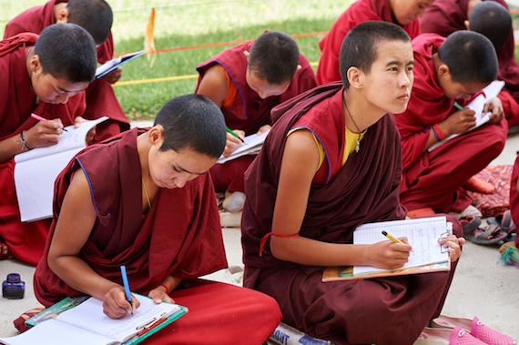 sponsor a Tibetan Buddhist nun, Sherab Choeling Nunnery, Olivier Adam, Tibetan nuns, Tibetan Buddhism