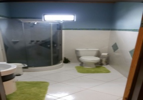 house for sale in diego martin bathroom