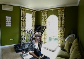house for sale santa cruz gym