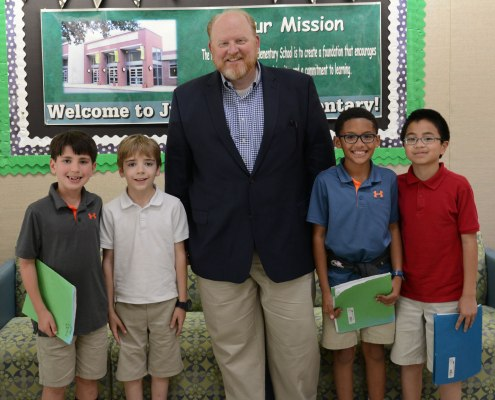 Green Elementary School students and Tennessee Wildlife Federation CEO, Mike Butler