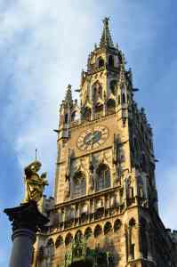 Booking Inquiry, Glockenspiel at the New Town Hall, Marienplatz, Munich/Germany