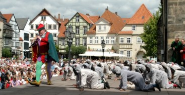 Pied piper of Hamelin Germany toeurope to-europe.com