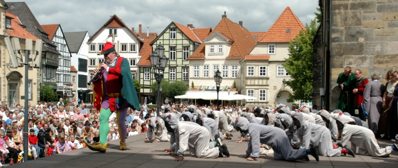 German Fairy Tale Rail Circle Tour, Pied piper of Hamelin Germany toeurope to-europe.com