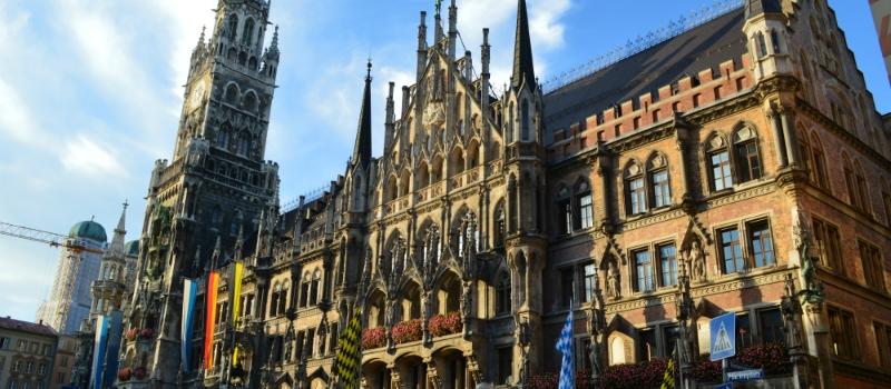 Munich, Innsbruck, Salzburg Rail Tour, Munich New Town Hall Bavaria Germany to-europe.com