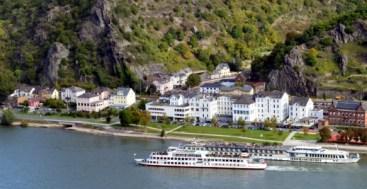 Rhine River Cruise ships near St. Goar Germany to-europe.com