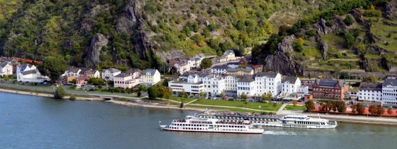 Frankfurt, Stuttgart Rhine River Cruise ships near St. Goar Germany to-europe.com