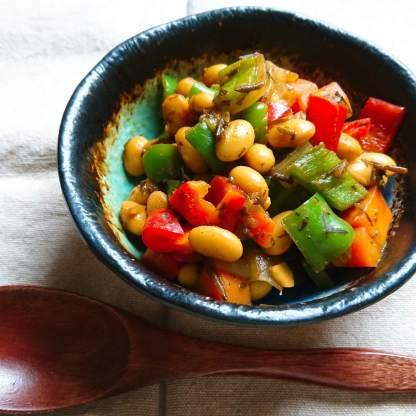 大豆のカレーアカモク炒め