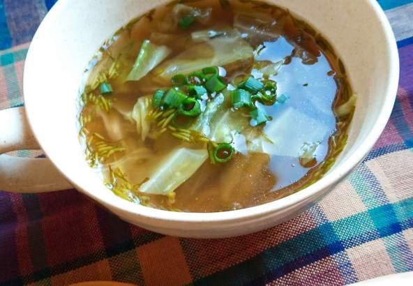 アカモクとキャベツの中華スープ