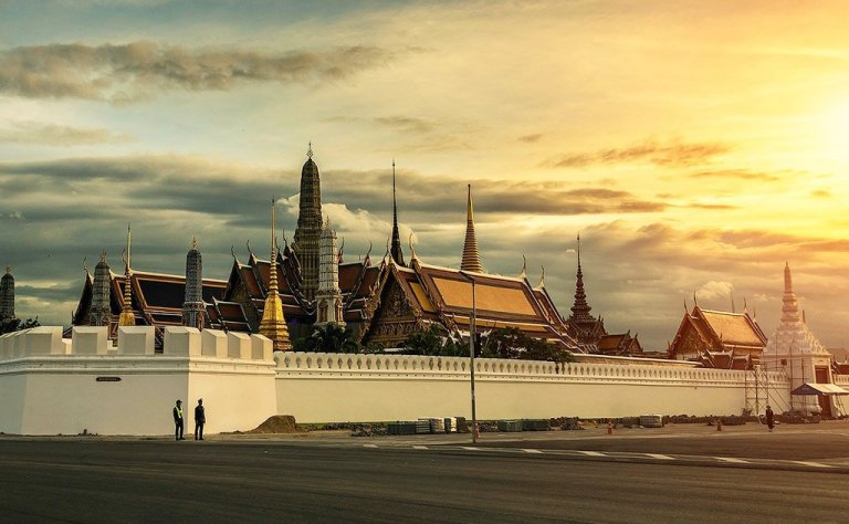 The Grand Palace and Wat Phra Kaew (Temple of The Emerald Buddha)