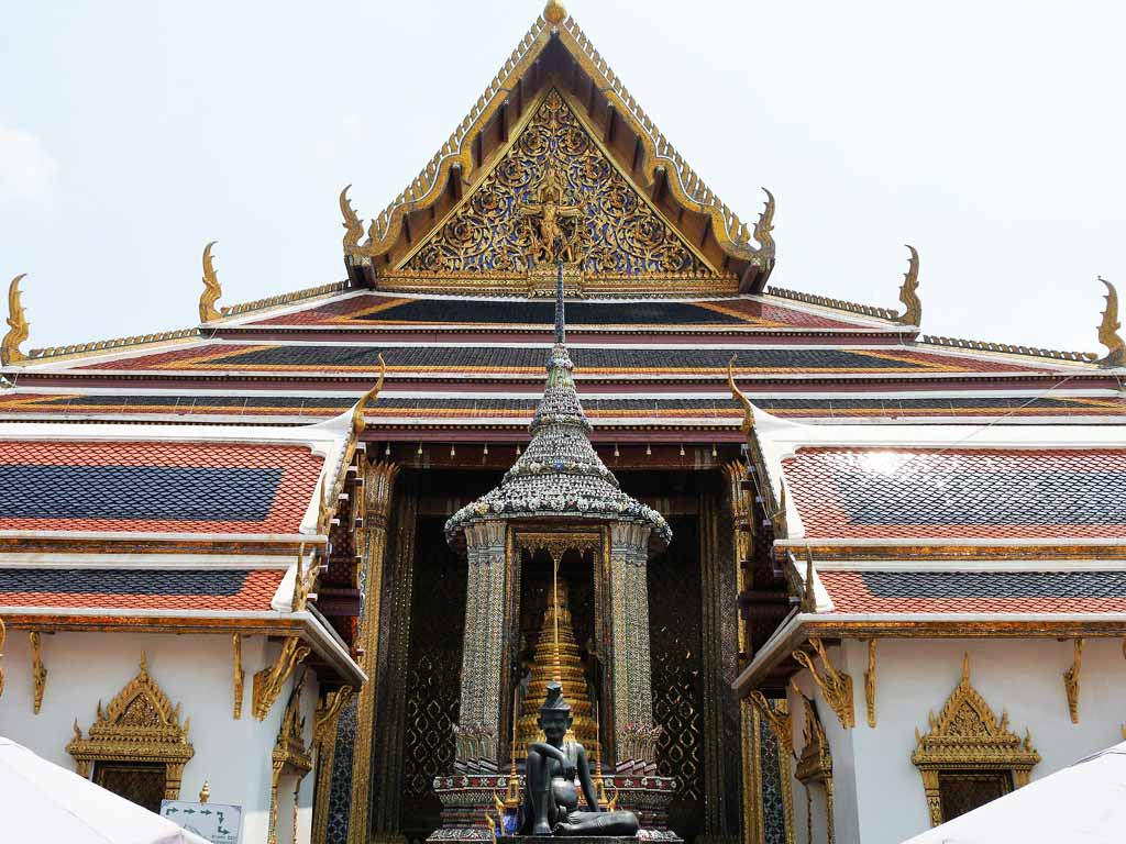 Temple of Emerald Buddha, back entrance