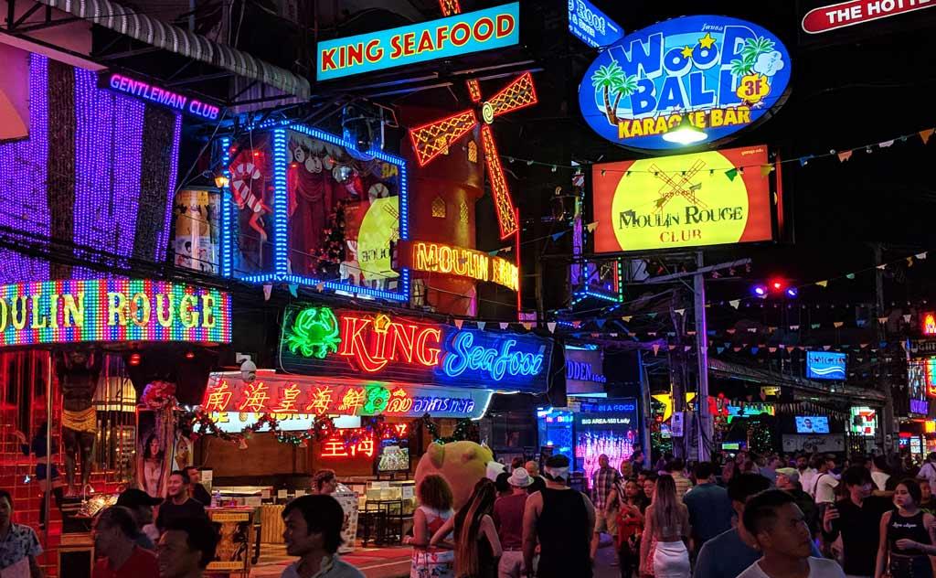 Pattaya Walking Street: Pattaya nightlife