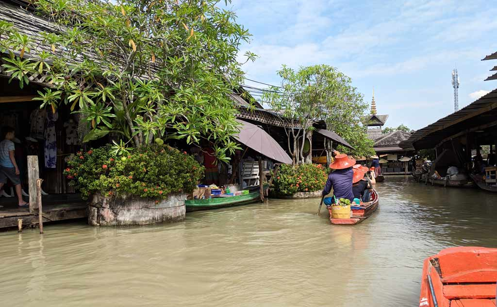 Pattaya Four Regions Floating Market Boat Ride