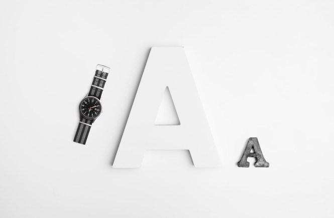 Букви и часовник
