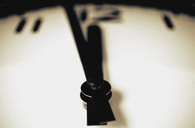 Печелим ли време, ако спрем стрелките на часовника