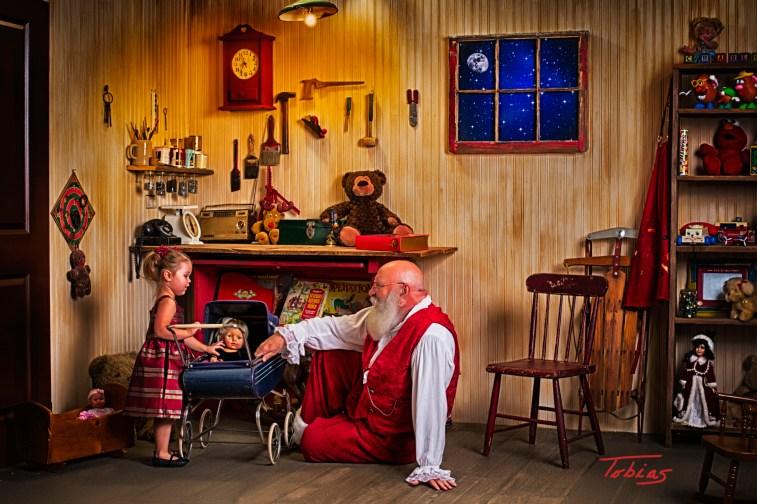 SantasWorkshoppe-01