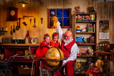 SantasWorkshoppe-07