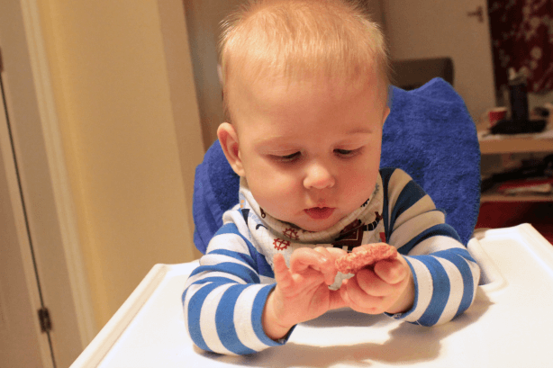 Examining a rice cake