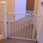 Review: Lindam Easy Fit Plus Deluxe safety gate