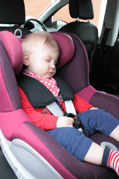 Review Britax Dualfix Car Seat Toby Goes Bananas