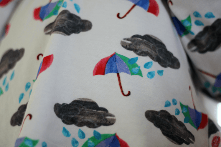 The Bunting Tree Brollies & Blizzards print