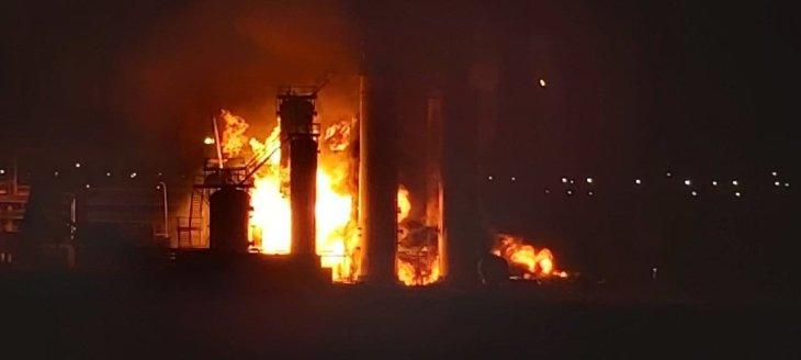 фото пожара на НПЗ в Ухте\фото - МЧС Коми
