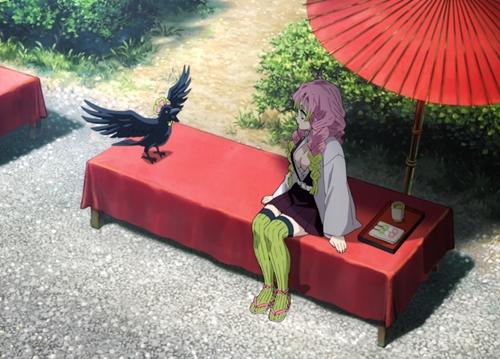 甘露寺蜜璃と鎹鴉