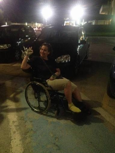 FV sulla sedia a rotelle