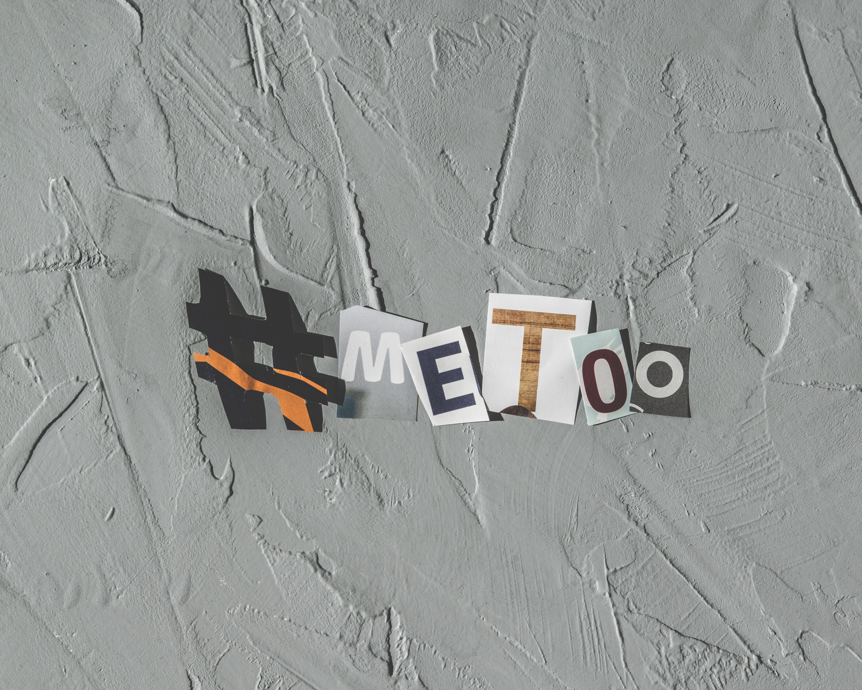 me-too-printed-paper-wall-decor-622135