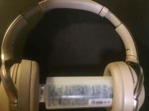 MDR-1000X 亀裂