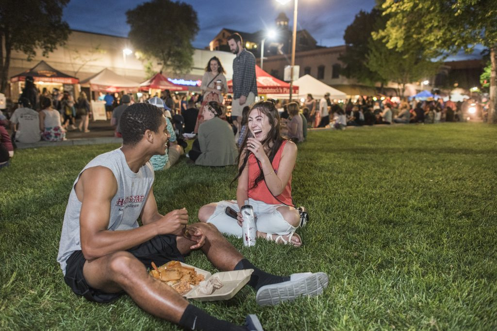 Students enjoy the Thursday Night Market in downtown Chico. (Jason Halley / CSU, Chico)