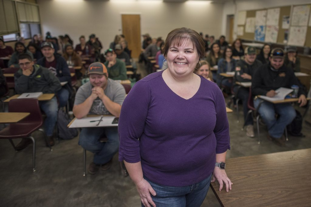 Dr. Kasey DeAtley is photographed with her class AGRI 305: Agricultural Genetics, after being recognized for Outstanding Research Mentor Award by the Faculty Recognition and Support Committee (FRAS) on Monday, February 5, 2018 in Chico, Calif. The objective of this award is to recognize and celebrate faculty mentorship of student research and creative activities.