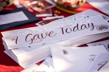 """""""I gave today"""" signs"""