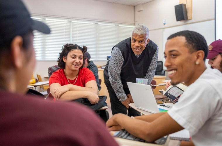 "Vern Andrews conversing with students in his ""Hip-Hop Culture"" class fall 2019."