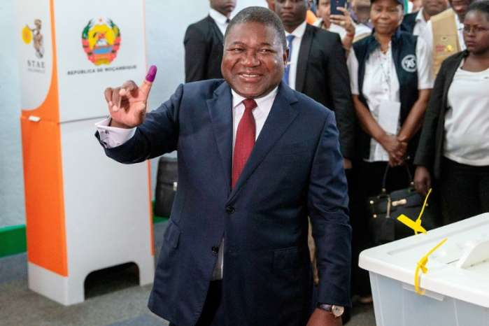 19091539 - Mozambique president heads for big win as observers report irregularities