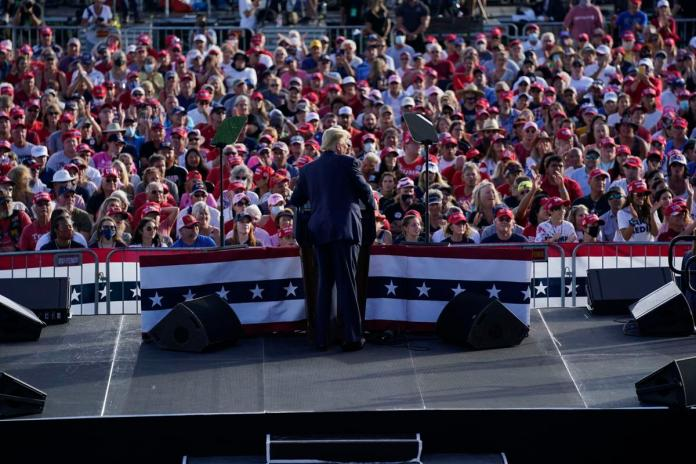 US President Trump cast an early vote