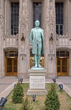 Nathan Hale Statue outside the Tribune Building, Chicago.