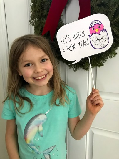 Hatchimal Free Printable New Years Sign