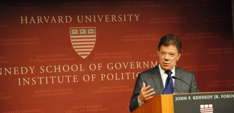 """""""War is more politically popular than peace,"""" Colombian President Juan Manuel Santos says during a speech at Harvard"""
