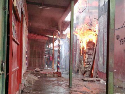 fire-destroys-mercado-oriental-managua-1869