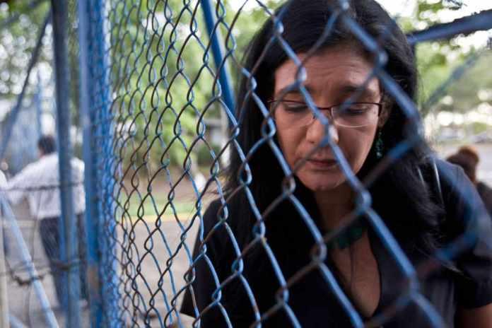 """Exiliada"" (Exiled): Portrait of a Sexual Abuse Survivor"