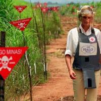 Jan-15-1997: Princess Diana Steps in Political Minefield That Leads to Convention Banning Landmines