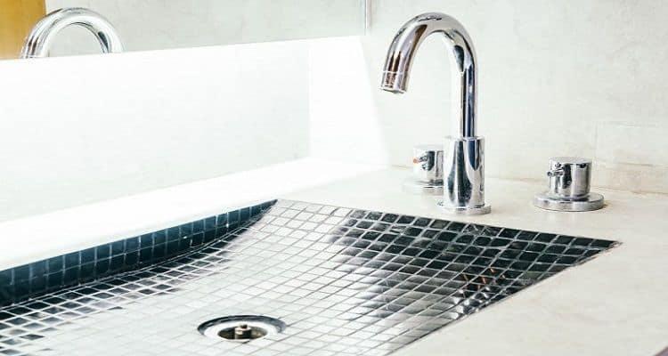 get rust off stainless steel sink