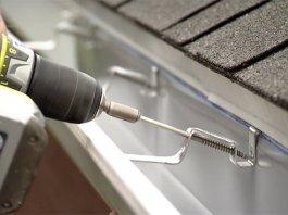 installing-gutters