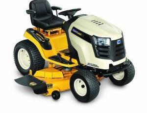 2011 Cub Cadet GTX 1054 Riding Lawn Tractor Review 17