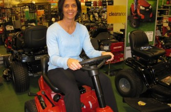 2012 Craftsman 30 in, 420cc, Model 25000 Riding Mower Review - Updated 4