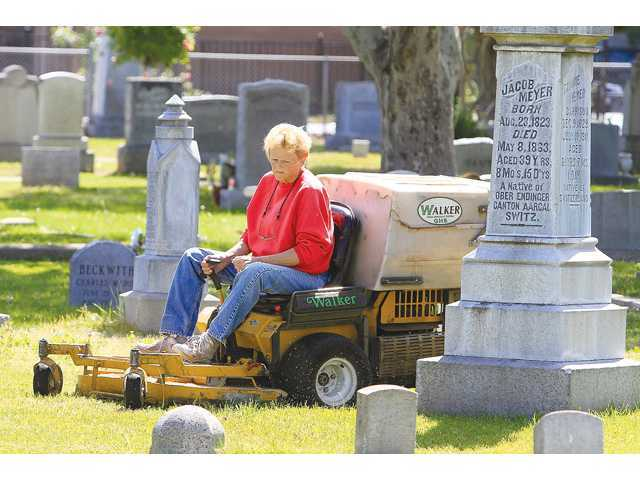 Do you really need a zero-turn mower? 17 reasons why you may