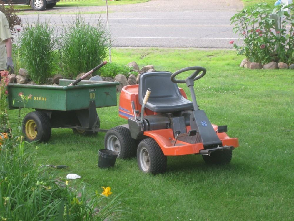 Garden Tractor Stand : Dump carts there are cheap good and expensive