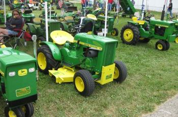 The Secret To Selling Your Used Lawn Tractor or Commercial Mower - What To Do and What To Charge 1