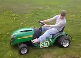 Think Your Craftsman is Fast? Check out this Deere 14